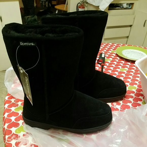 Shoes - ☆SOLD☆Bearpaw boots